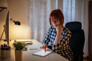 women starting an online business